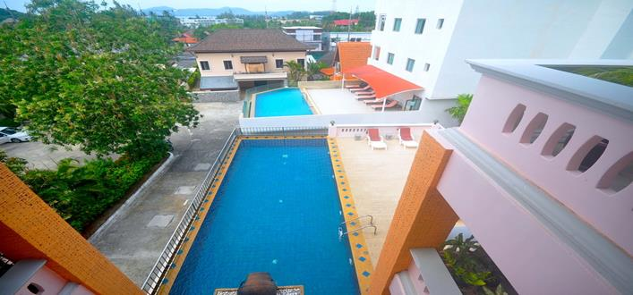 Spacious Top floor Condo near Surin beach for sale