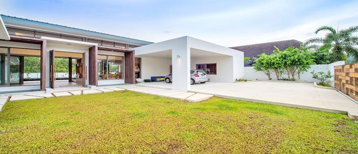 4 bedroom Grand Villa for sale Thalang