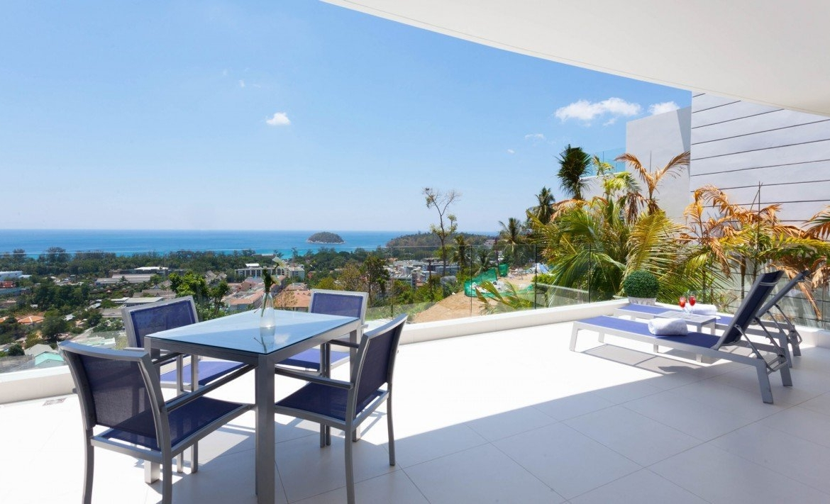 This 3 bedroom / 2 bathroom Apartment for sale is located in Kata on Phuket