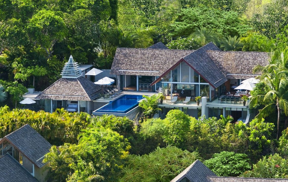 This 5 bedroom / 5 bathroom Villa for sale is located in Kamala on Phuket